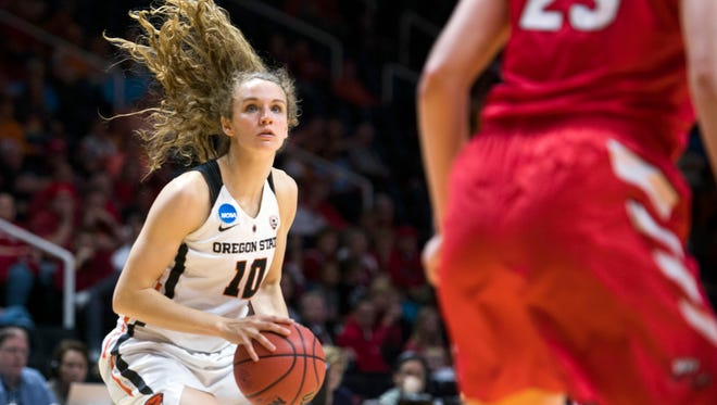 March 16, 2018, Knoxville, TN, USA: Oregon State's Katie McWilliams (10) takes a shot during the women's NCAA Tournament first-round game between OSU and Western Kentucky at Thompson-Boling arena. OSU defeated Western Kentucky 82-58.