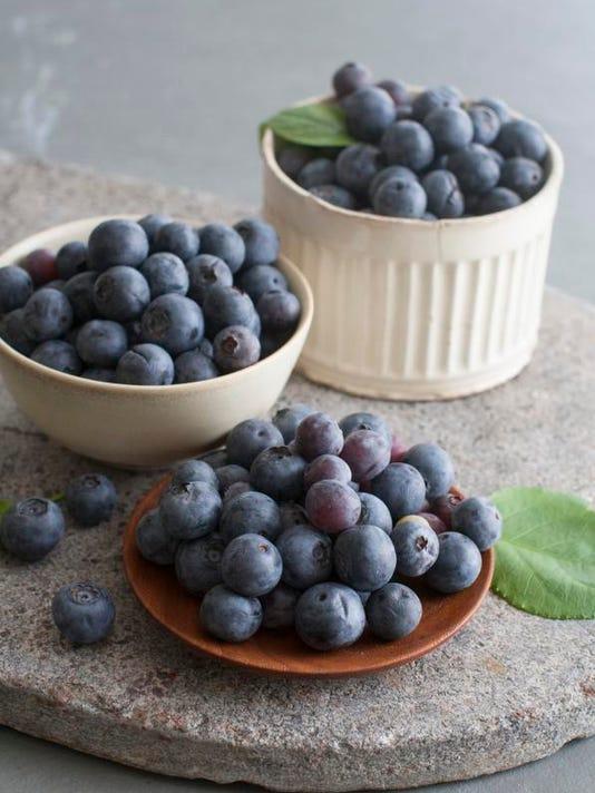 Food 10 Things Blueberries (2)