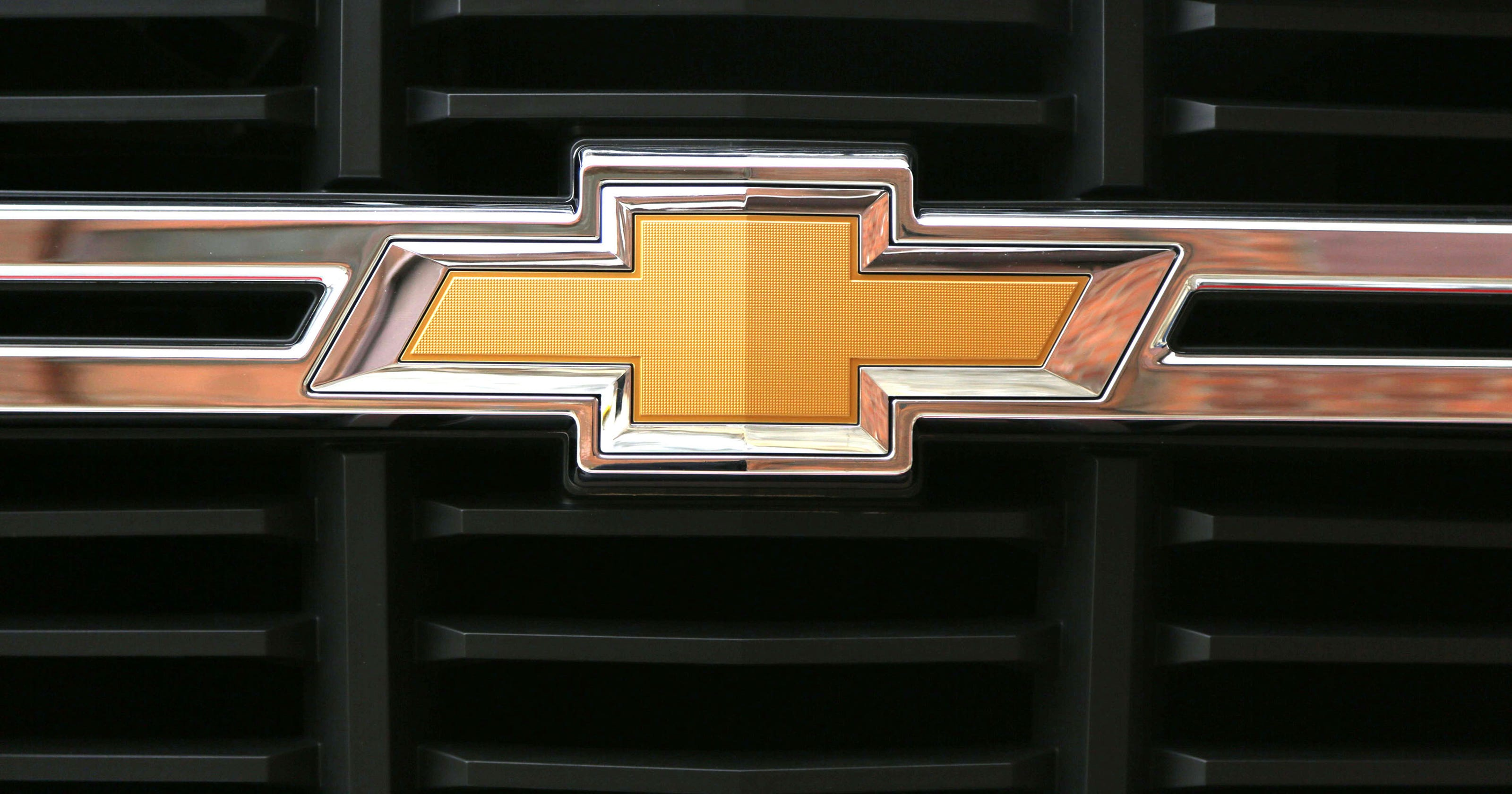 Gm Recalls Chevy Silverados Gmc Sierras For Engine Block