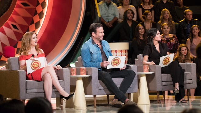 Celebrity judges Isla Fisher, Will Arnett and Courteney Cox on 'The Gong Show.'