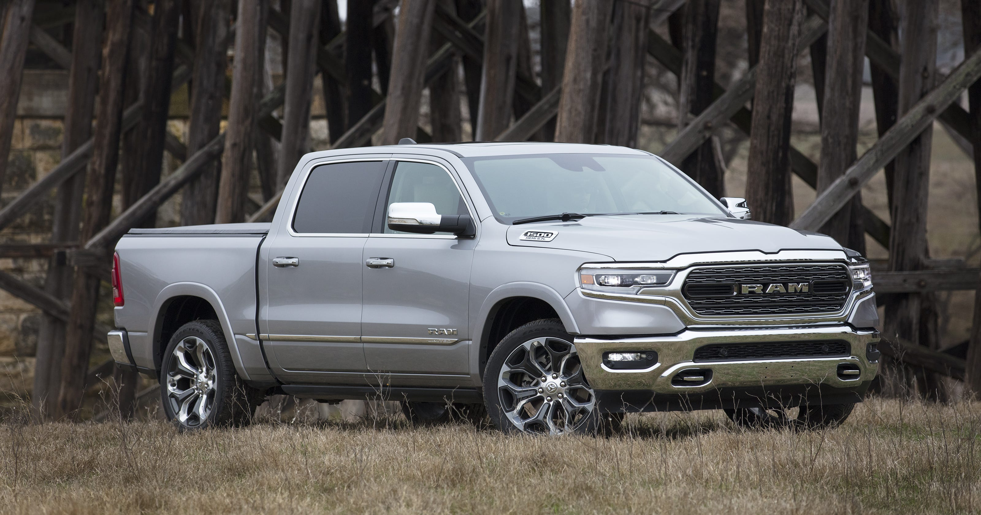 2019 Ram 1500 Pickup Truck Gets Jump On Chevrolet Silverado Gmc Sierra