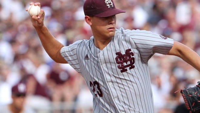 Mississippi State's Austin Sexton threw 5 1/3 innings against Arizona in the Starkville Super Regional on Saturday.