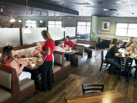 The dining room at the Stonebridge Grille aims to be a place with a family-friendly atmosphere.