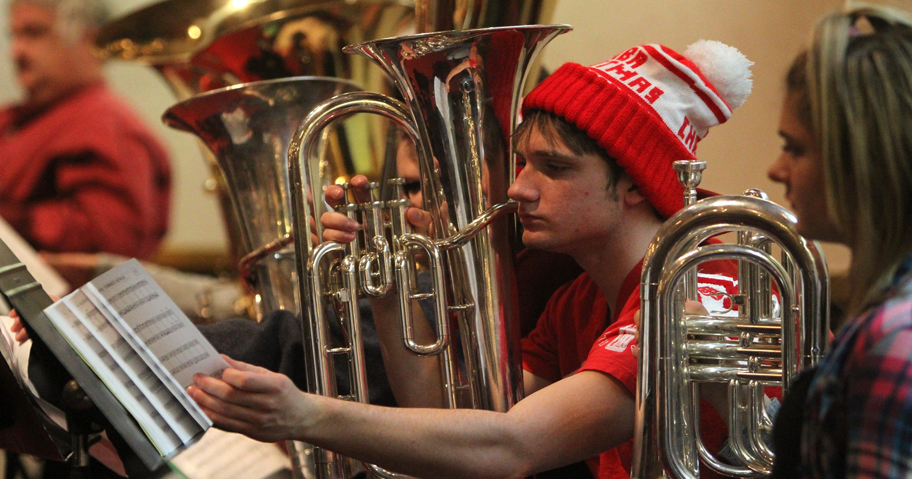 Tuba Christmas.Five Decade Old Tradition Continues With Tuba Christmas