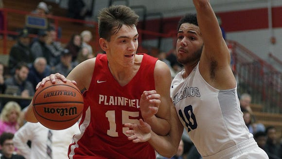 Plainfield's Gavin Bizeau (15) will play in the Atlantic 10 next year.