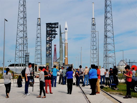 Media from around the country covers a United Launch