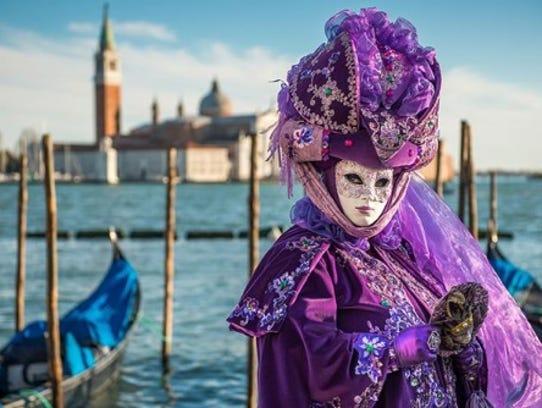The SMMA hosts a masquerade themed fall fashion show