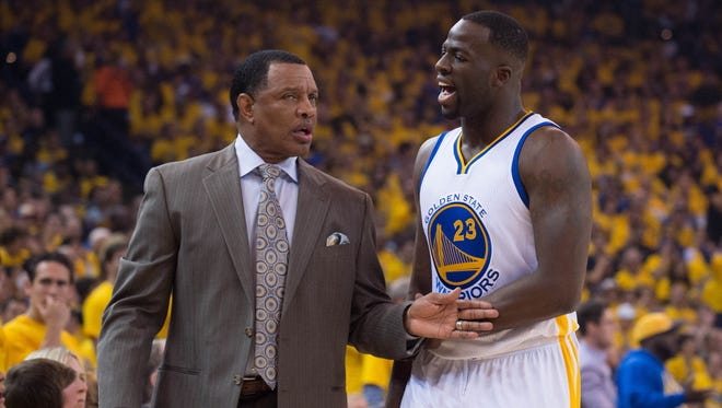Golden State Warriors assistant Alvin Gentry has been granted permission to interview with the New Orleans. The Pelicans have been viewed as a prime landing spot for Chicago coach Tom Thibodeau, should he part with the team. All these rumors impact Fred Hoiberg, who many view as the front-runner for the Bulls job whenever it may come available.
