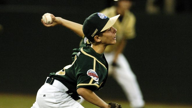 Lafayette's Connor Toups pitches during the team's loss Rancho Buena Vista, Cali., during the 2005 Little League World Series in South Williamsport, Pa.