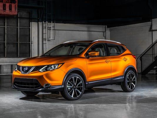 636298566791321344-2017-Nissan-Rogue-Sport-01.jpg