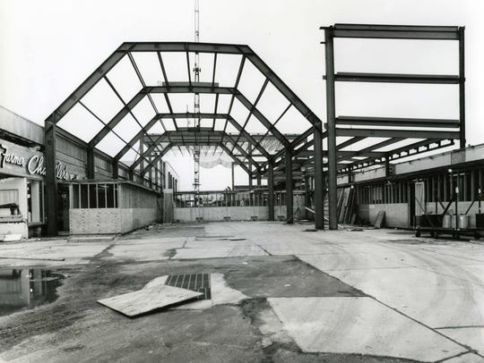 1981: Garden State Plaza gets a roof.