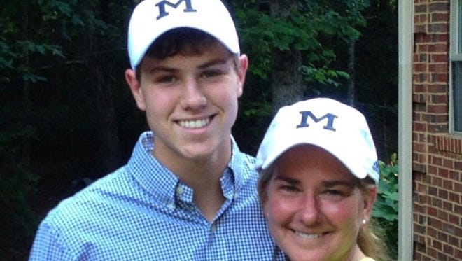 Michigan golfer Kyle Mueller, left, with his mom, Monica.