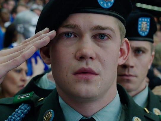 Billy Lynn (Joe Alwyn) experiences a surreal welcome