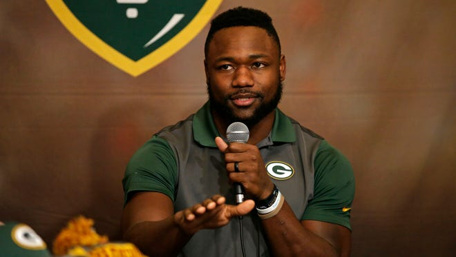 Green Bay Packers wide receiver/running back Ty Montgomery co-hosted Monday's Clubhouse Live in downtown Appleton. Montgomery's guest was left tackle David Bakhtiari. Watch a replay of the show at clubhouselive.com.