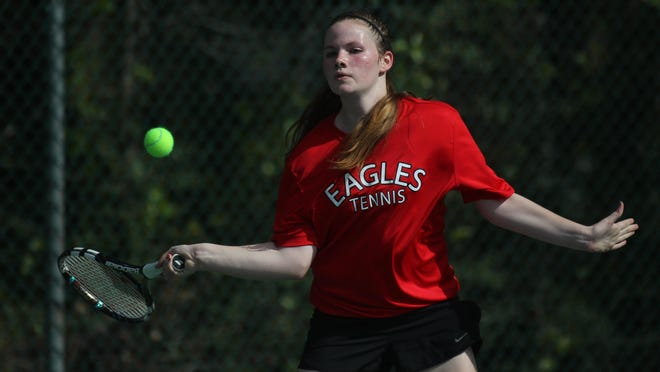 NFC freshman Laura Ceci captured a city title at No. 1 singles with a 0-6, 7-6 (11-9) win over Chiles junior Ashley Tang on Friday in the city championships at Maclay.