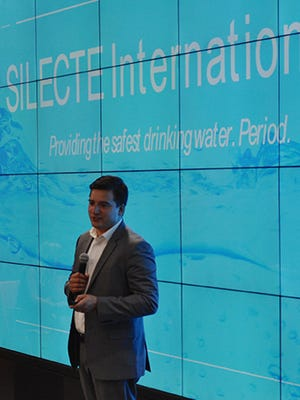 Abram Pleta pitches his water disinfection process, Silecte, at Pitch Smackdown. Pleta won $10,000 for his business in the competition.