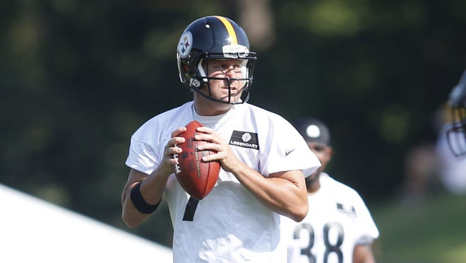 Pittsburgh Steelers quarterback Ben Roethlisberger (7) participates in drills during training camp at Saint Vincent College.