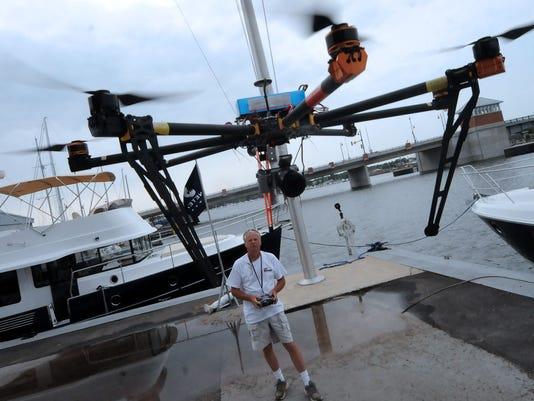 -DCA 0802 simonsen drone 1.jpg_20140729.jpg
