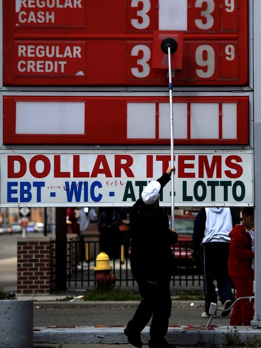 2012 145169744-PAGE_1A_1_1_RBBN6B1_569~~IMG_b009-gasprices-0412y_2_1_PMBN2H7.jpg