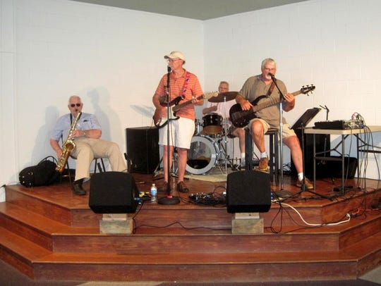 Full Circle Band in concert
