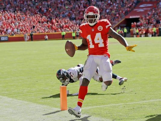 Broncos_Chiefs_Football_50733.jpg