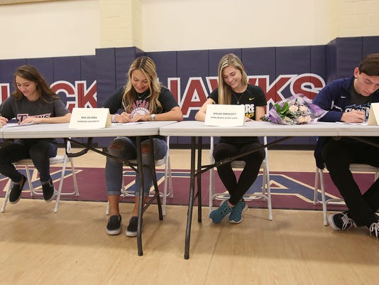 635901231802809743-lqhs-signing-day.jpg