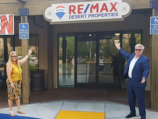 636391834299355785-REMAX-Sign-Tracey-Eric.jpg