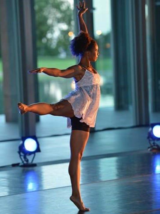 636177770775136622-Monroe-ULM-dance.jpg