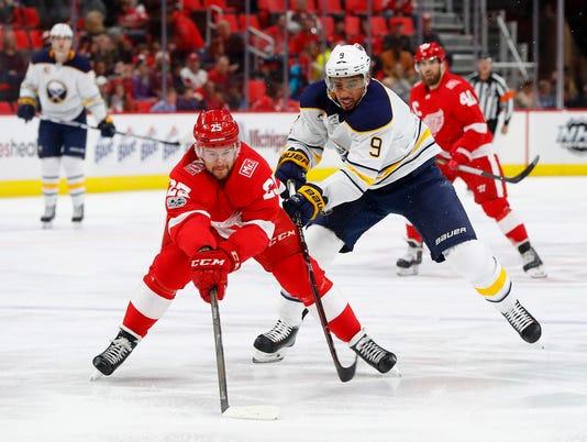 636465501476898987-AP-Sabres-Red-Wings-Hockey-M-3-.jpg