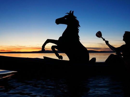 Kayak-Horse
