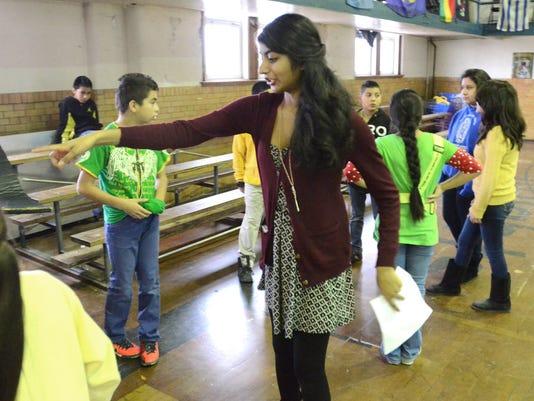 NNO 9 NoviVisitsDetroitSchool.jpg