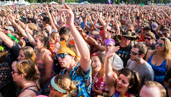 Fans cheer as Fitz and the Tantrums perform on the
