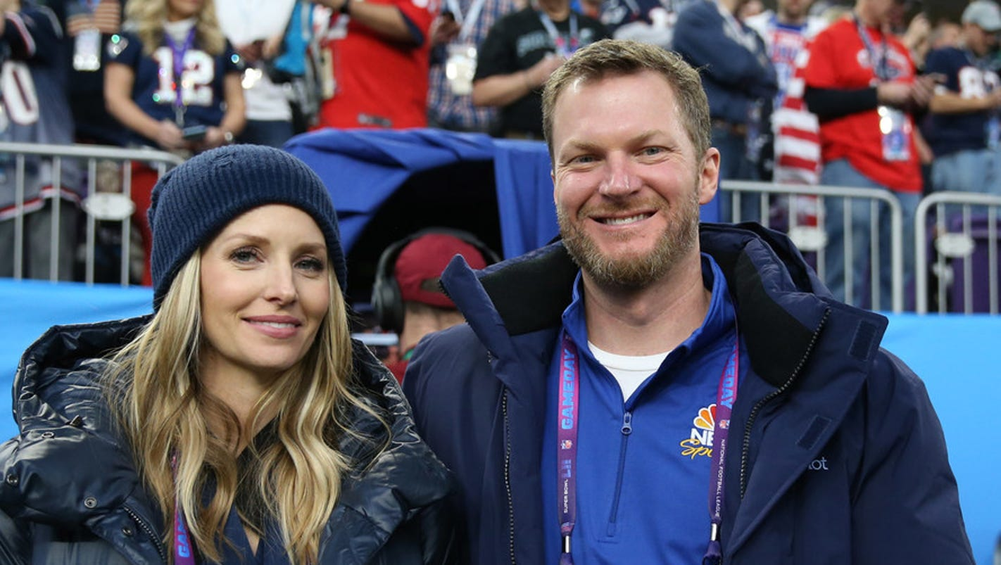 636535444323813593-dale-jr.-and-wife-amy