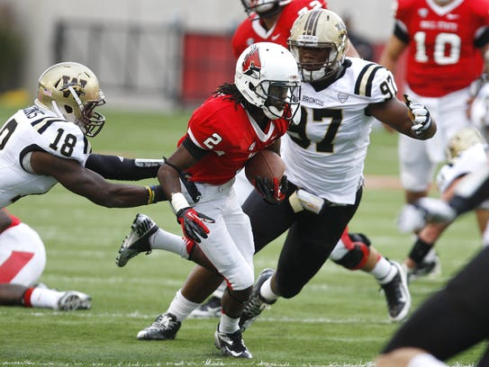 Ball State's Jamill Smith (center)