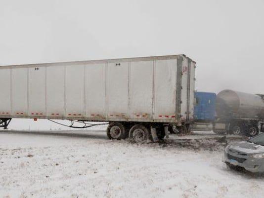 truck accident 02.jpg
