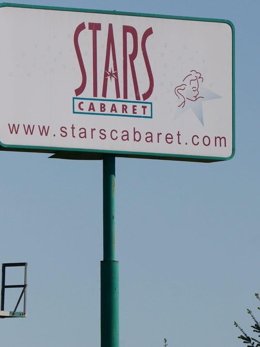 636335691328696213-StarsCabaret2.jpg