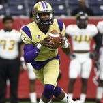Alcorn State quarterback Lenorris Footman (17) will be playing for a new coach in 2016 after Jay Hopson took the USM job.