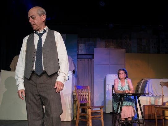 Steven Samuels as Willy Loman and Jane Hallstrom as
