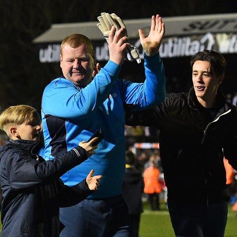 Goalkeeper Wayne Shaw quits team after sideline pie eating causes gambling investigation