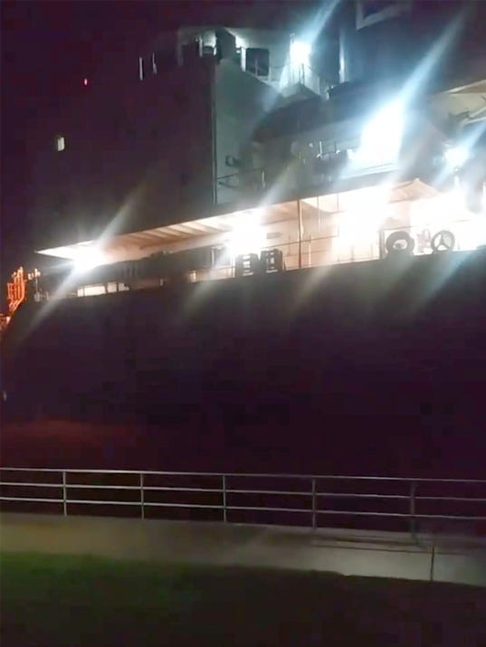 636625987036317579-freighter.jpg