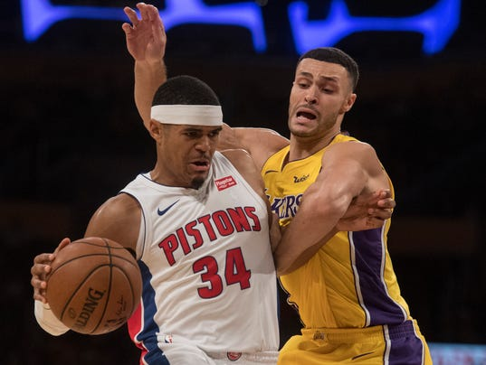 636450916214968469-AP-Pistons-Lakers-Basketball-5-.jpg