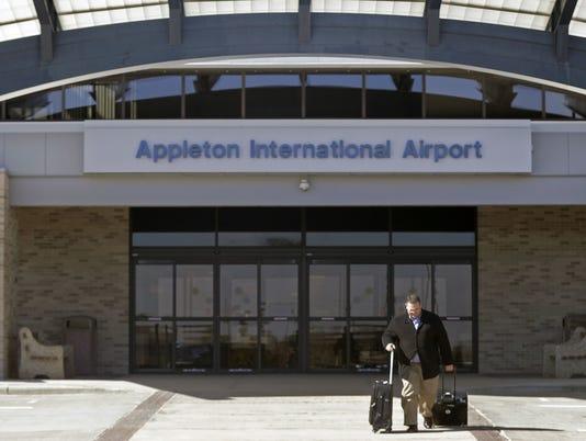 636324405038761151-Appleton-airport.jpg