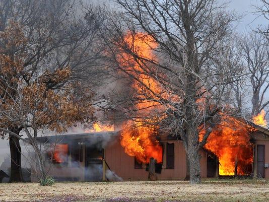 Lake-Arrowhead-house-fire-1.jpg