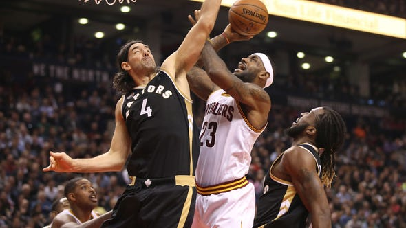 The hot-shooting Toronto Raptors topped the Cleveland