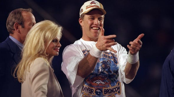 31 Jan 1999:  Quarterback John Elway #7 of the Denver