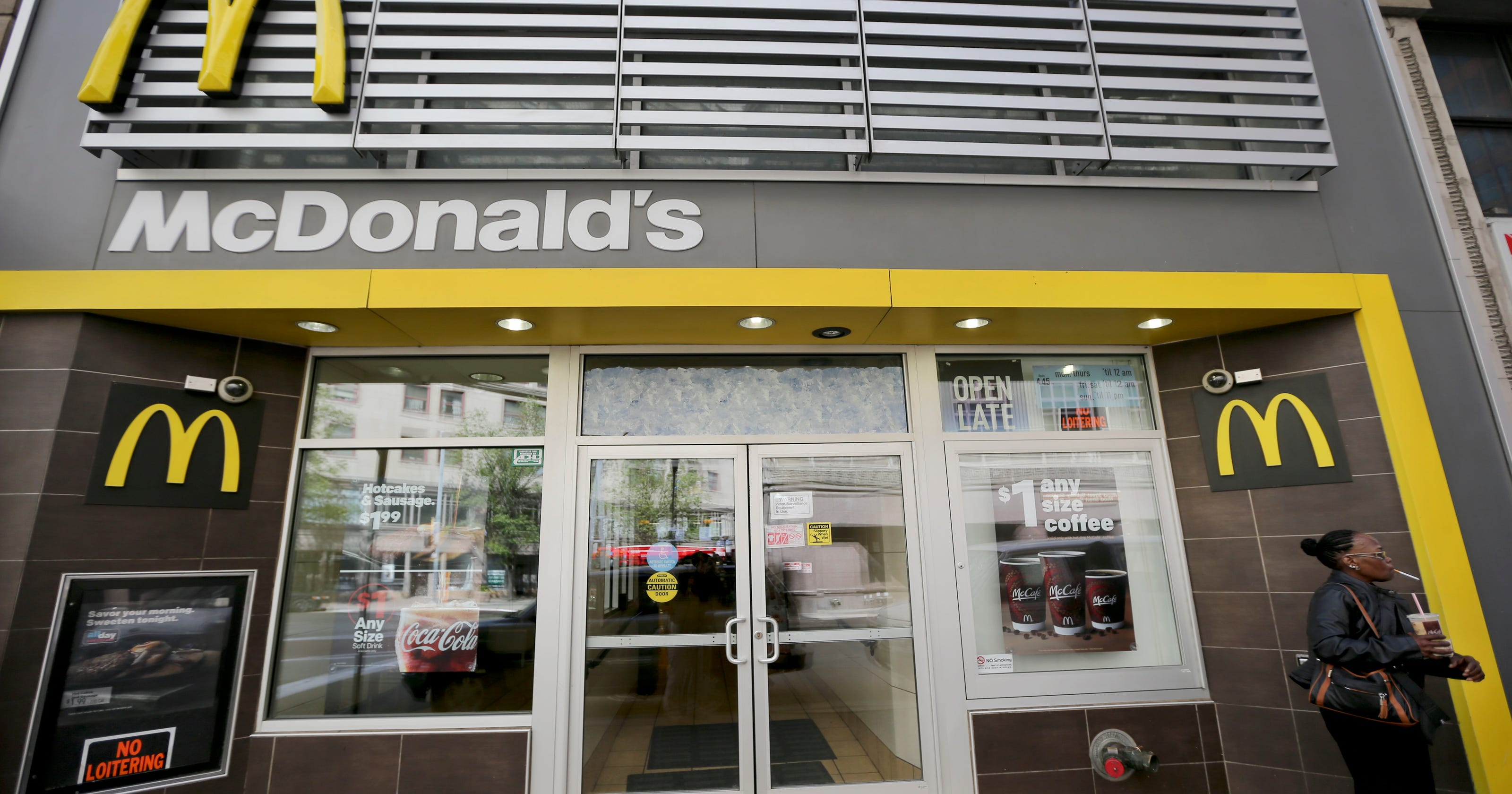 Mcdonalds Brings Back Dollar Menu But With Food For 2 3 Too