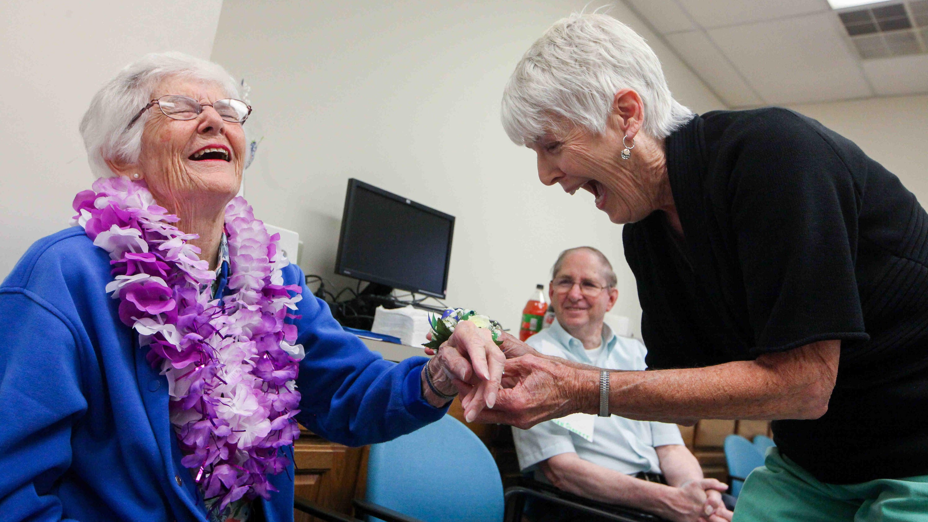 Crisis call center volunteer, 93, retires after 41 years