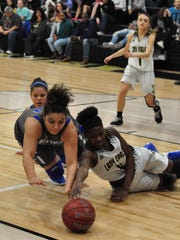 Abilene HIgh's Maya Taylor battles with Weatherford's