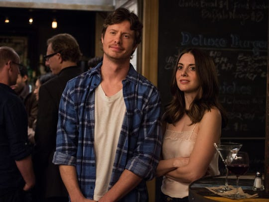 """Anders Holm and Alison Brie in """"How to Be Single."""""""