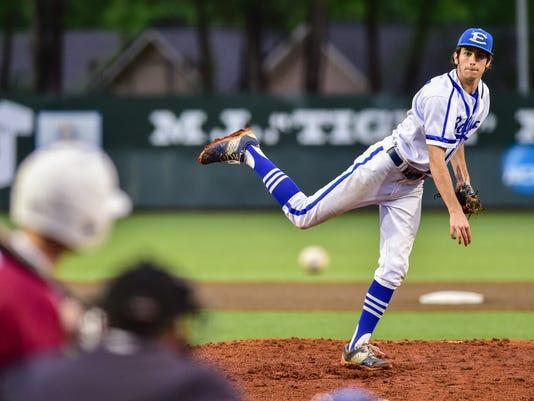 635968729958311336-tda.erath.edwhite.baseball-04.21-1846.jpg